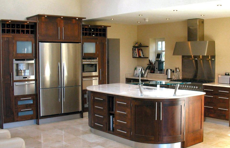 Walnut kitchens cork walnut kitchens ireland walnut for Kitchen designs ireland